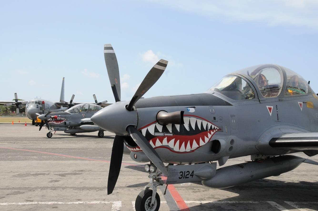 fuerza aereo colombiana com: