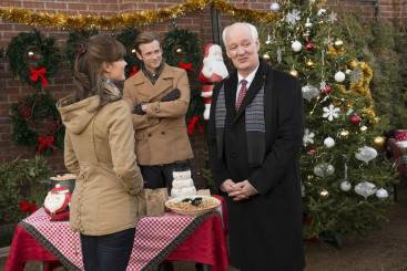 """Its a Wonderful Movie - Your Guide to Family Movies on TV: """"Fir Crazy"""" Hallmark Christmas Movie ..."""