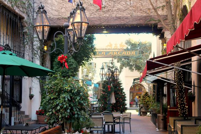 outdoor winter holiday decorations - Santa Barbara, California