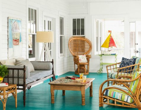 Vintage beach home decor