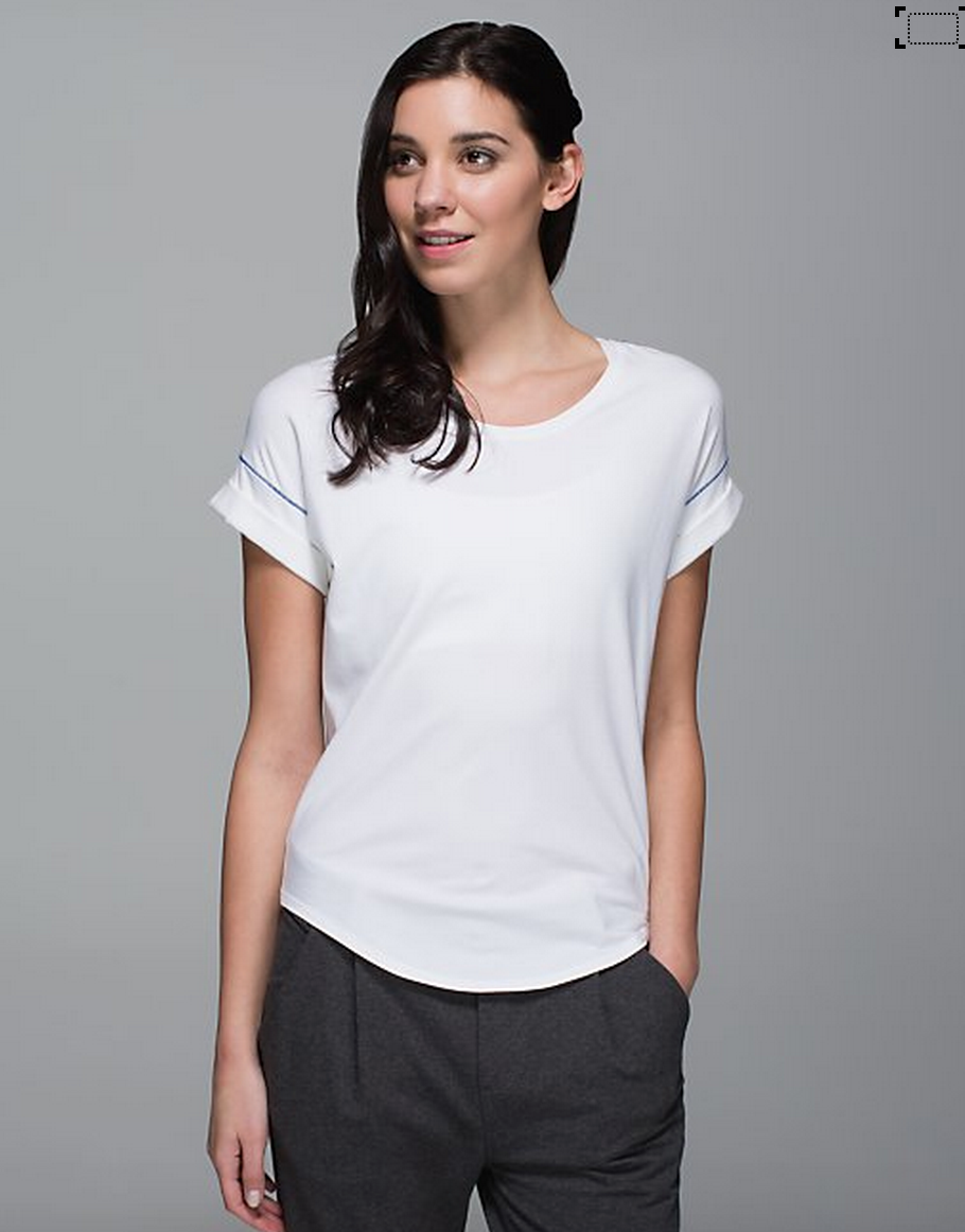 http://www.anrdoezrs.net/links/7680158/type/dlg/http://shop.lululemon.com/products/clothes-accessories/tops-short-sleeve/Weekend-Short-Sleeve?cc=0002&skuId=3599311&catId=tops-short-sleeve