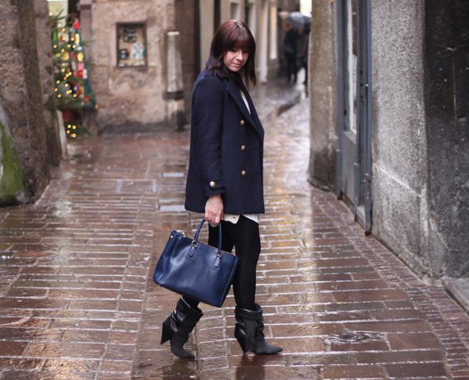 outfit-trend-fashionblogger-blauer-mantel-beiges-kleid-mango-cardigan-primark-strick-boots-isabelmarant-pourhm-tasche-ebay-superflybags