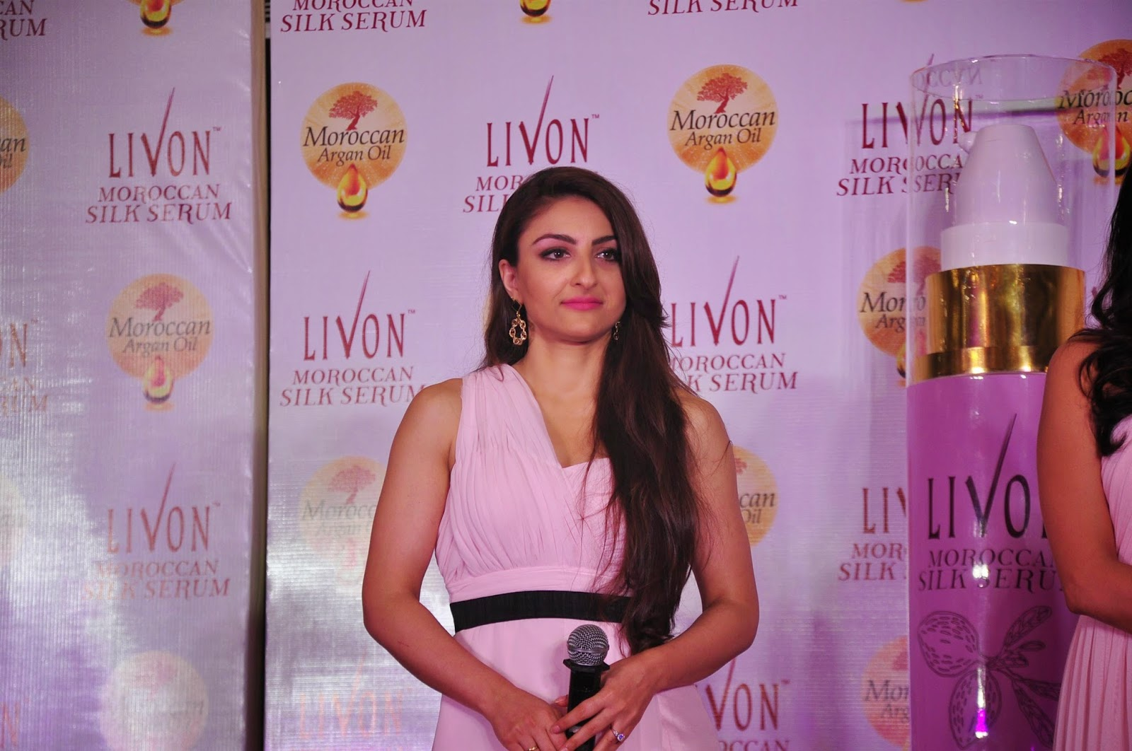 Chitrangda Singh - Soha Ali Khan at Livon Moroccan silk Serum Launch Photos