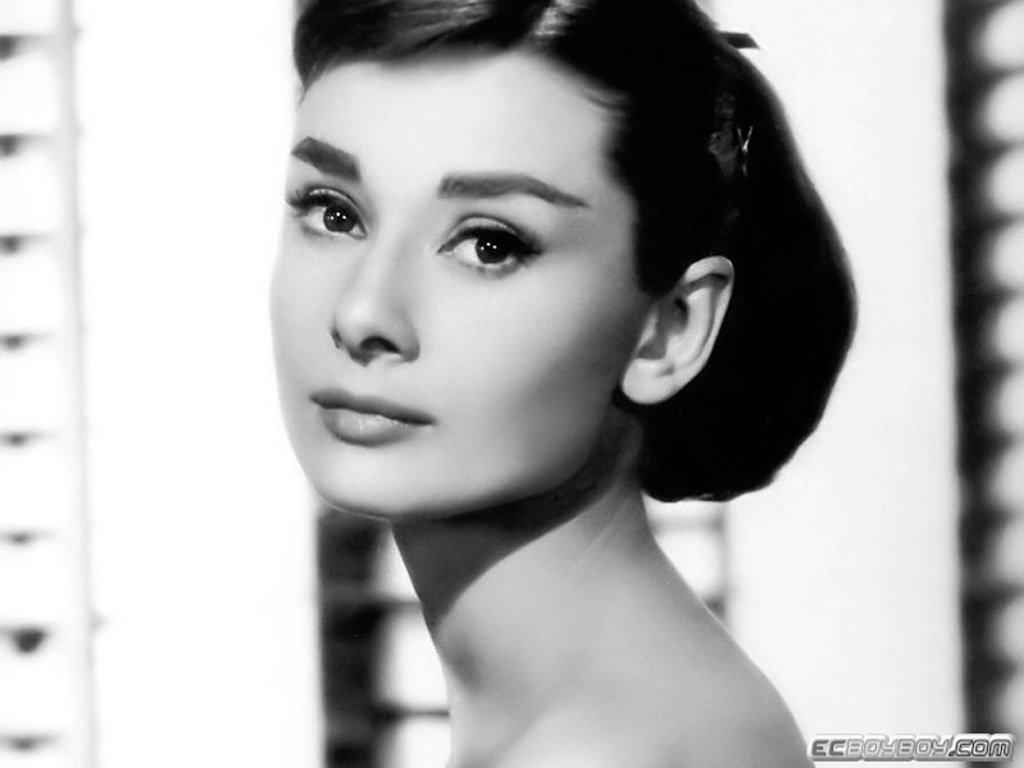 http://1.bp.blogspot.com/-vUcLau78Joo/T6R9WM7T87I/AAAAAAAAAZg/YeGEyY2mqAM/s1600/Audrey+Hepburn+4.jpg