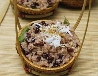 Xôi Đậu Đỏ - Steamed Sticky Rice with Red Beans