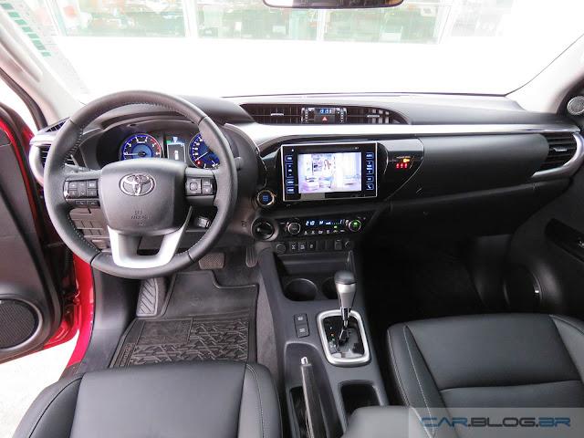 Toyota Hilux SRX A/T 2016 - inteiror