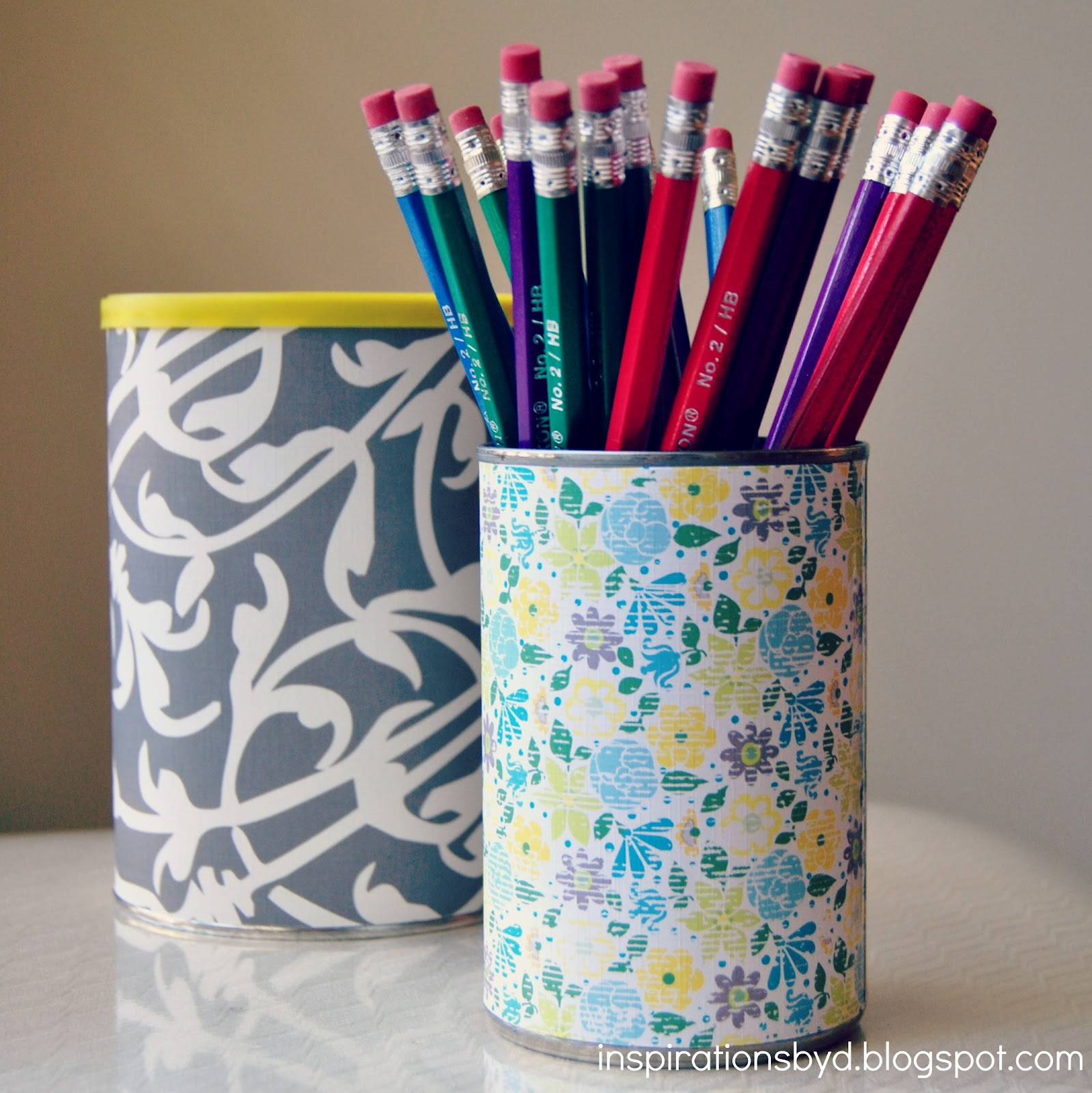 Crafting on a budget diy pencil holder using an upcycled can Diy pencil holder for desk