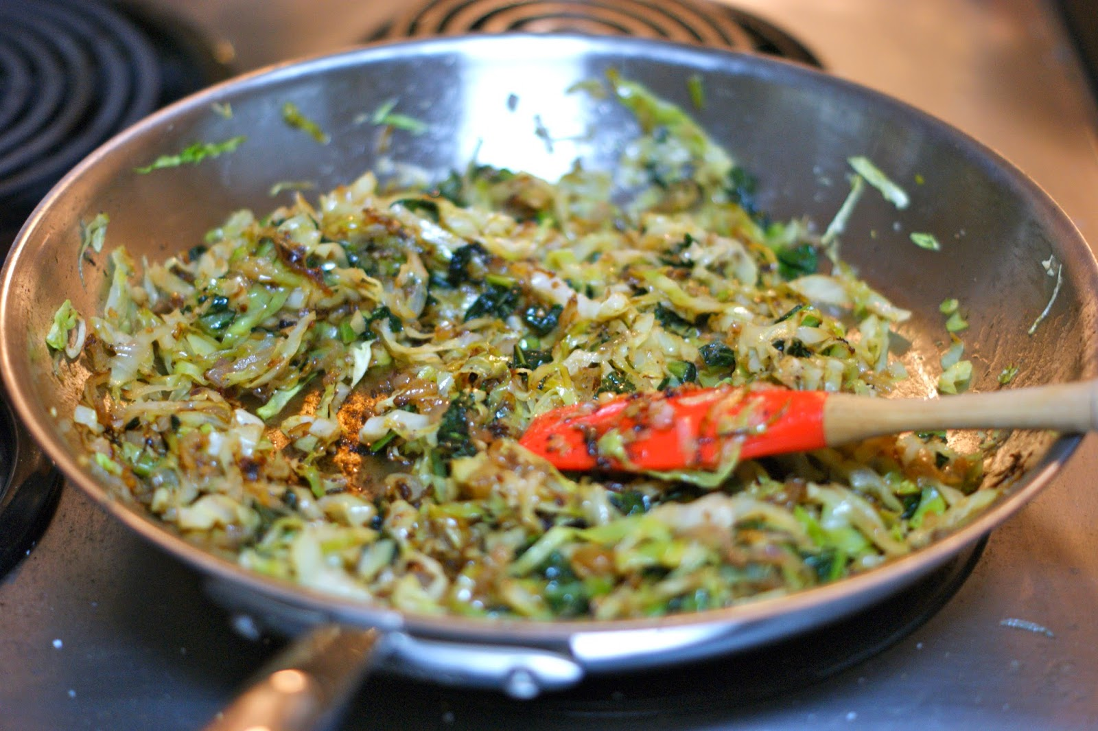 ... Frue: Tasty Thursday: Sauteed Cabbage and Kale with Garlic and Shallot