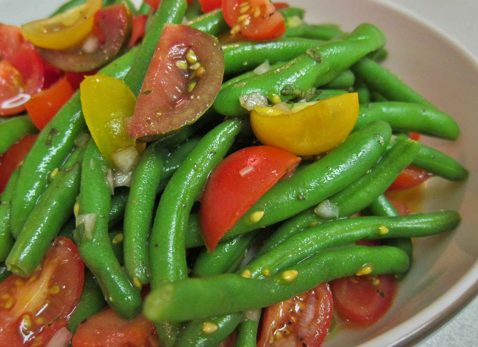 The Vegan Chronicle: Green Bean and Cherry Tomato Salad