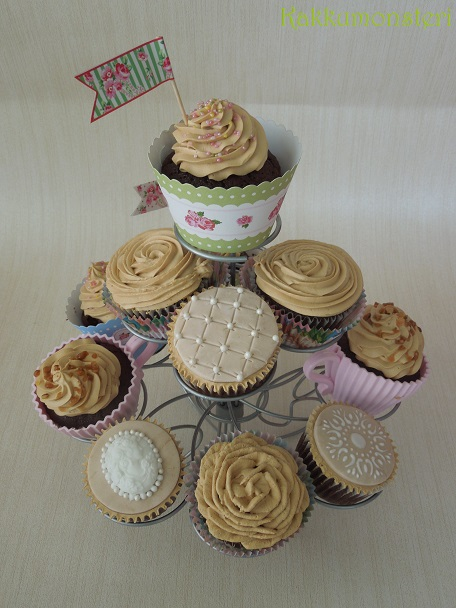 Vintage cup cakes