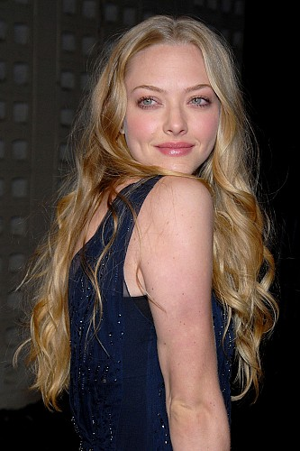 amanda seyfried hot wallpapers. Amanda Seyfried Hot