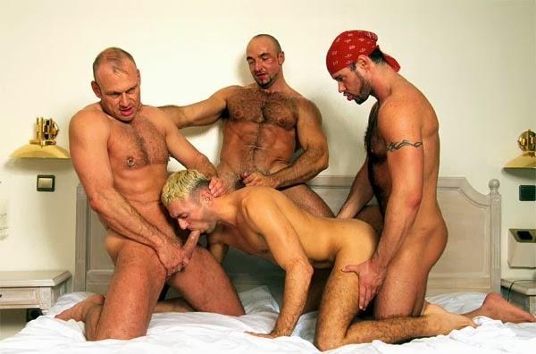 4 peludinhos na orgia