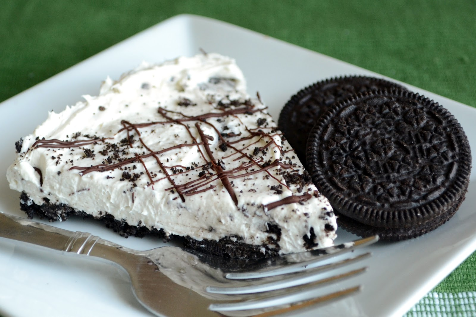 ... Loves Lunch: The Just Because Cookies 'n Cream No-bake Cheesecake
