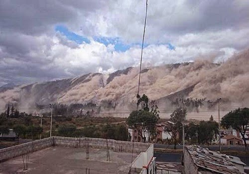 earthquake_triggered_landslide_equador_quito