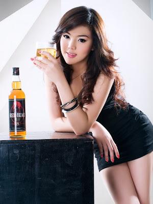 Khmer Hot Model RED BEAR Whisky: Premium Blend