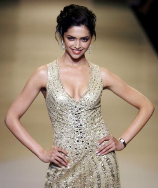 Hot Deepika Padukone Bollywood Actress Hot Stills