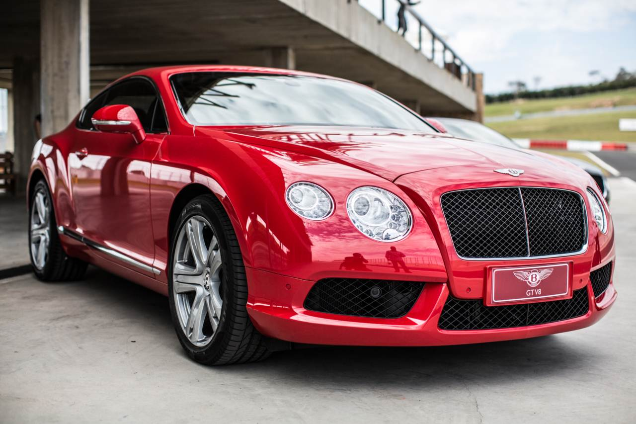 bentley continental gt no brasil pre o r milh o car blog br. Black Bedroom Furniture Sets. Home Design Ideas