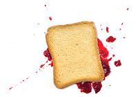 Ley de Murphy - La tostada siempre cae del lado de la mermelada.