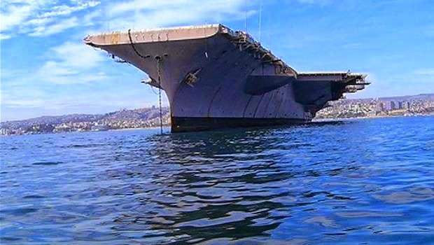 http://www.24horas.cl/regiones/valparaiso/valparaiso-casco-de-portaviones-norteamericano-arribo-a-nuestras-costas-1457781