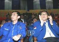 Rombongan_Anas_dan_Ibas_Diserang_di_Ternate
