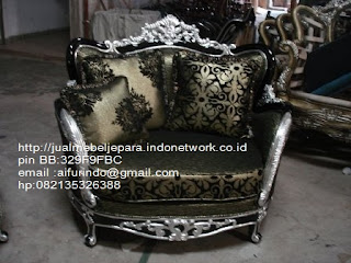 sofa klasik french style ukiran jepara,sofa klasik jepara Mebel furniture klasik jepara jual set sofa tamu ukir sofa tamu jati sofa tamu antik sofa jepara sofa tamu duco jepara furniture jati klasik jepara SFTM-33065