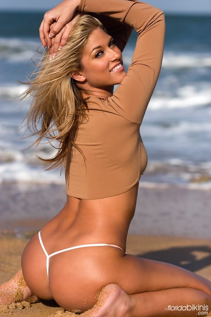Glamorous Wwe Diva Kelly Hot Pictures