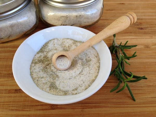 Jennuine by Rook No. 17*: DIY Gourmet Food Gift: Rosemary Salt
