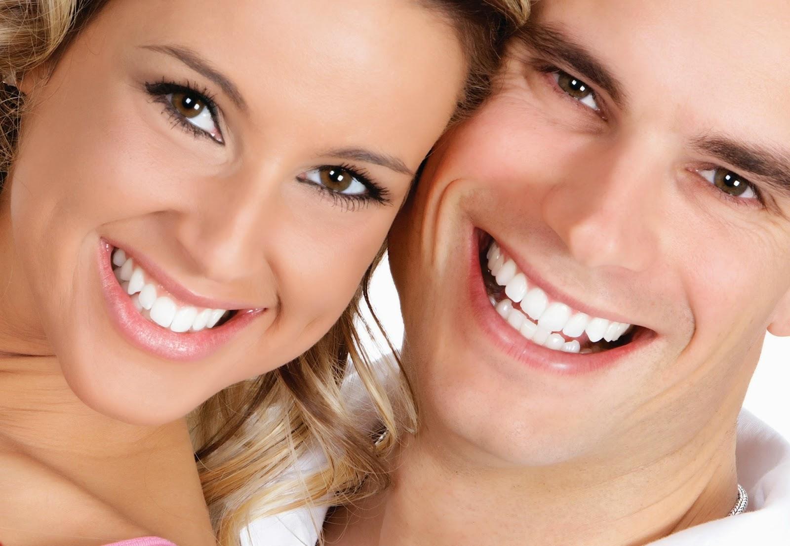 3adf25df7 O uso diário de fio dental é um componente importante na remoção da placa
