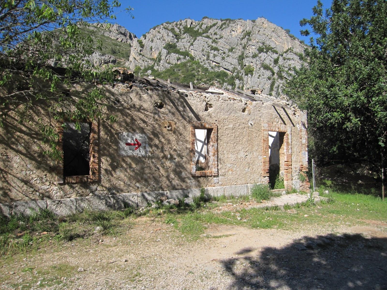 Caseta Doble o de la Garrofera, al barranc de l'Infern