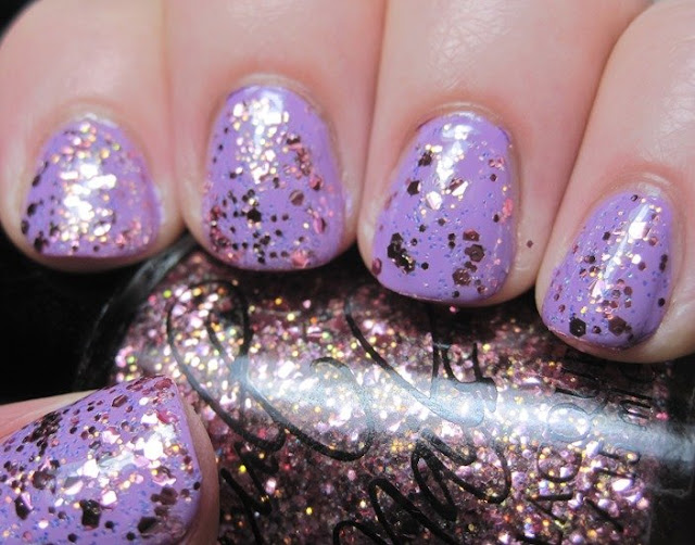 Cult Nails Love at First Sight with Center of Attention