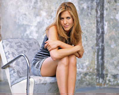 Actress Jennifer Aniston Looking Hot