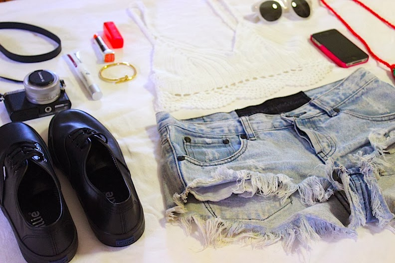 one teaspoon billie shoes vogue vandal maybelline new york color sensation lipsticks coachella music festival denim cutoffs vogue vandal domenica calarco