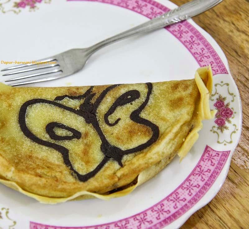 Dapur Harmoni: Tips dan Resep Membuat Martabak Manis Tanpa