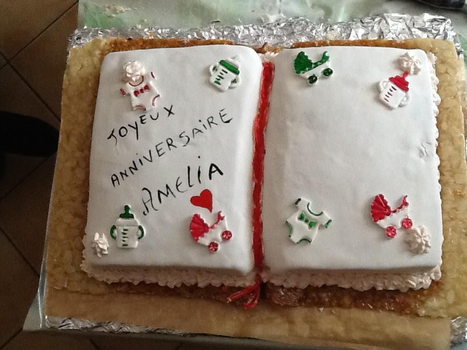 Très Ma passion, mes douceurs: un gâteau en forme de livre ouvert sur  NQ06