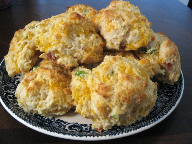Bacon Cheddar Drop Biscuits | Cupcake Boom