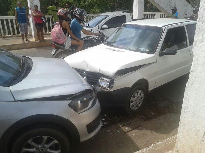 Caxias: Veículos colidem sobre a ponte do Rio Itapecuru