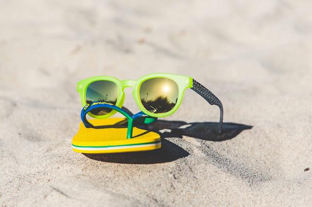 Ipanema Zehentrenner und Sonnenbrillen