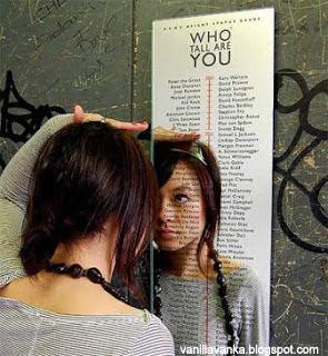 Desain Cermin yang Unik dan Aneh