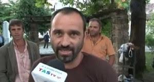 Αλβανός μετανάστης ξεσπάει: «Η Ελλάδα τελειώνει, δεν έχει μέλλον, φεύγουμε από εδω!» (ΒΙΝΤΕΟ)