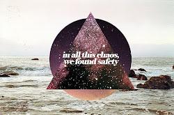 En este caos,