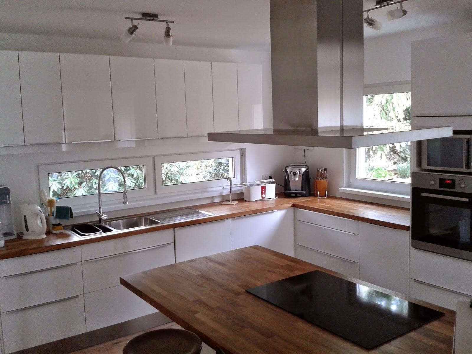 Küche mit kochinsel und sitzgelegenheit – sehremini