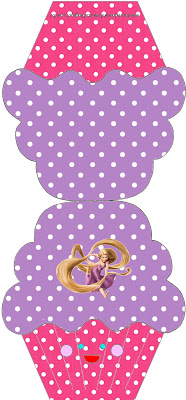 Invitación de Enredados con forma de cupcake.