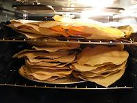 http://thedustylane.blogspot.com/2012/11/norwegian-flat-bread-flatbrd.html