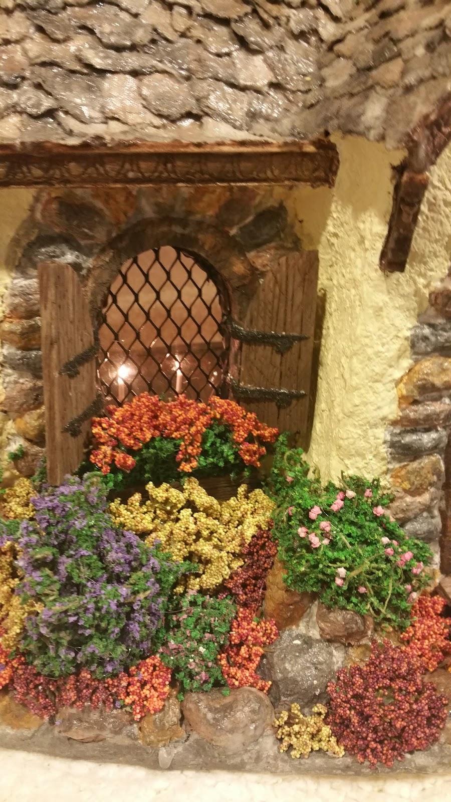 Greggs Miniature Imaginations: English Cottage October 2015