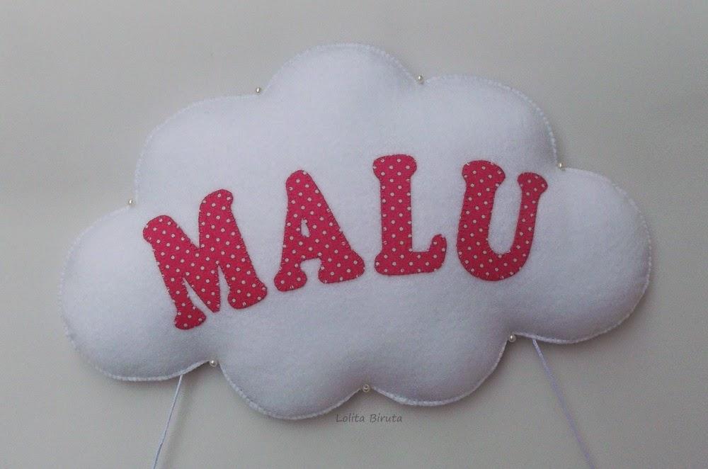 Nuvem em feltro com nome aplicado em tecido