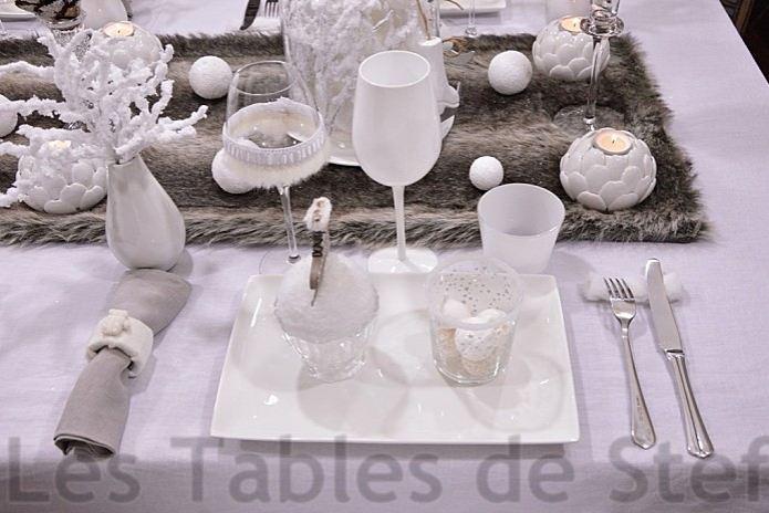 les tables de stef no l ii. Black Bedroom Furniture Sets. Home Design Ideas