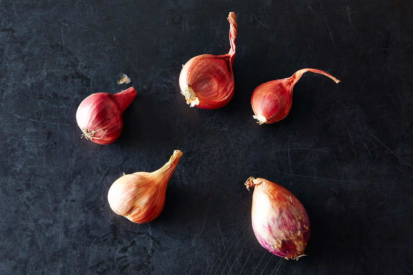 https://food52.com/blog/11260-shallots-and-our-5-favorite-ways-to-use-them