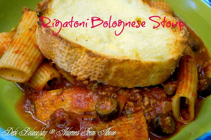 rigatoni Bolognese stoup / a thick Italian soup / garlic bread on top
