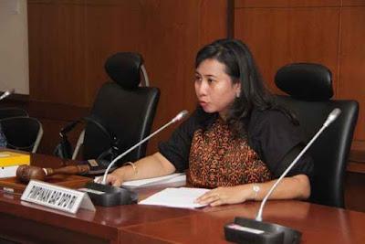 Senator asal Maluku, Novita Anakotta menyatakan Kementerian kesehatan telah menganggarkan Alat CT scan untuk RSUD Haulussy Ambon di Tahun anggaran 2016 ini.