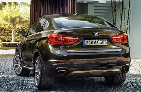 2016 BMW X6 M Rear View